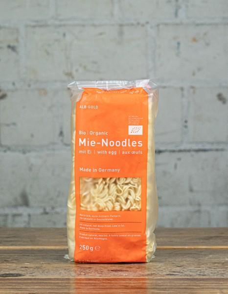 Alb-Gold Mie-Noodles mit Ei